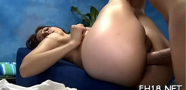 Hotty gets her anal hole banged for the 1st time in life
