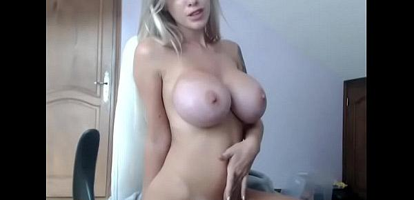 Busty blonde girl free webcam porn chat