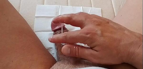 Buena paja con corrida. Sacando leche  - good masturbation  with cum. Taking out milk