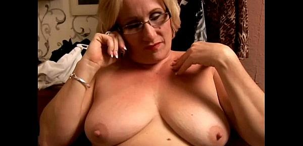 Beautiful big belly mature BBW loves to play with her juicy pussy