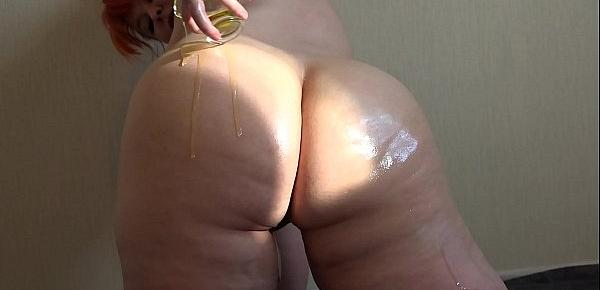 Anal masturbation and oil on the big ass, amateur masturbation to orgasm from bbw.