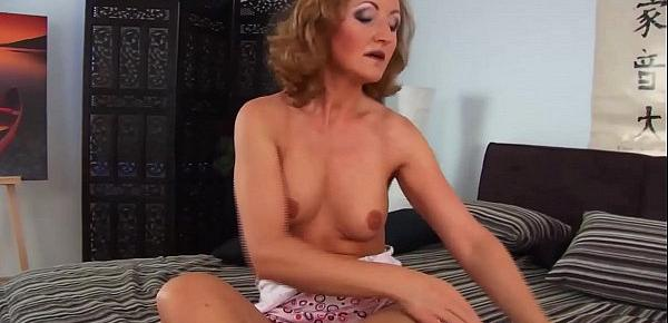 sexy redhead mom big cock doggystyle fucked