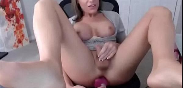 Hot Trap with cute face and ni1d3ece tits takes dildo in ass