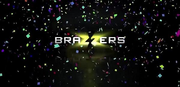 Brazzers - Pornstars Like it Big - (Chanel Preston, Kristina Rose, Phoenix Marie, Danny D, Jordi El, Nino Polla, Keiran Lee) - Brazzers New Years Eve Party - Trailer preview