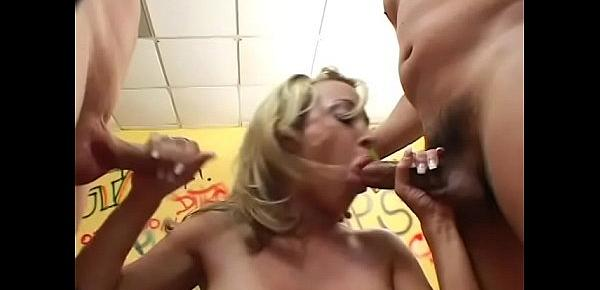 Blonde Jennifer Steele gets gang banged in all holes at once without any problem