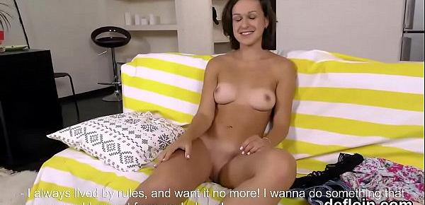 Kissable nympho spreads narrow honey pot and gets devirginized
