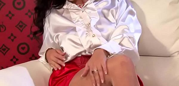Nice lesbian babe gets toes licked and shaved cunt fingered