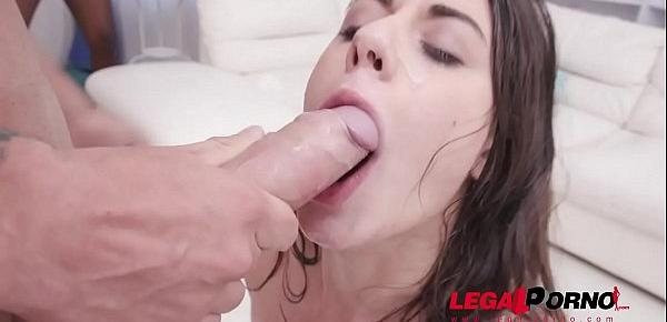 Hot italian slut Giorgia Roma pissed on by four guys & double penetration SZ2055