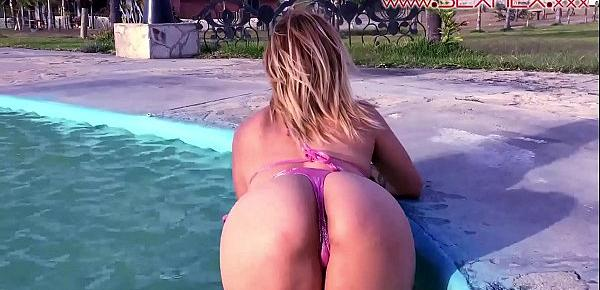 Sexmex cute little Harley Rosembush fucked outside in the swimming pool