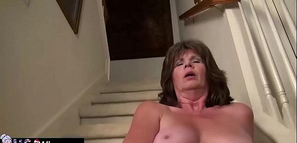 USAWives Hot wife Jade is masturbating her wet cunt