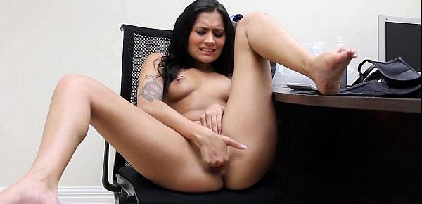This latina babe haves all of talents to be a famous pornstar