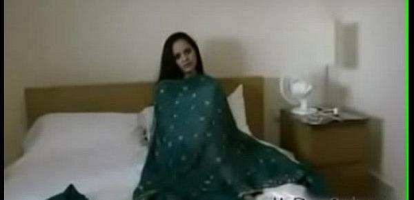Sexy desi aunty with saree hindi audio sex