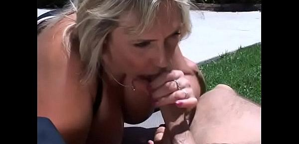 Cock sucking blond MILF Wanda Lust gets banged and takes facial on the lawn chair